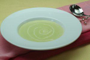 4月第3週グリンピースと新じゃがの冷製スープ