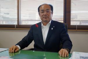 日高町の松本秀司町長