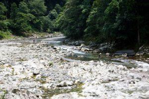 滝ノ拝で鮎釣り