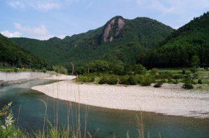 天誅岩と古座川
