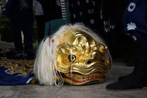 金色の獅子頭