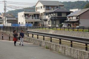 日方川沿い