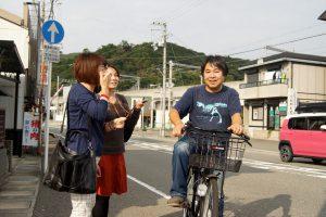 「あっ、ナベシマくん!」同級生にばったり出会う笠野さん