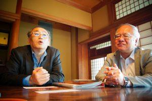 田中理事園長(左)と細川常務理事