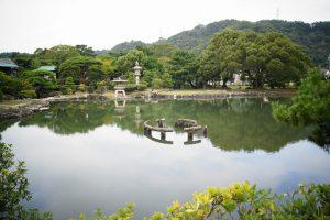 海水を引き入れた池のある庭園
