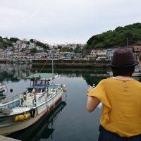 雑賀崎漁港に2人