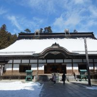 雪の金剛峯寺