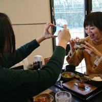中川アナが三浦さんを撮影